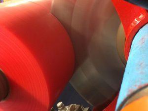 Kundenspezifische Klebebandaufmachung durch flexible Konfektionierung