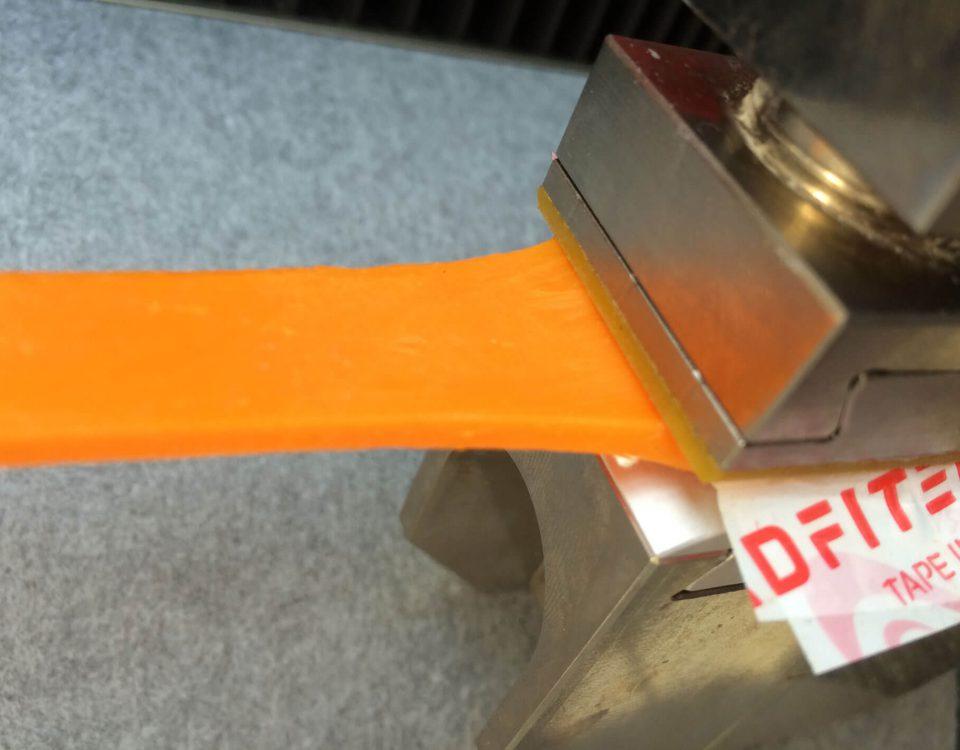 """Ein selbstklebender """"Flummi"""" auf Basis einer neuen Rezeptur mit Acrylatharzen"""